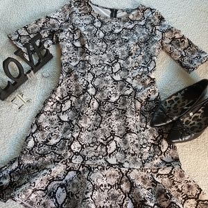 Express Snakeskin print dress. Back zip. Sz. 8.